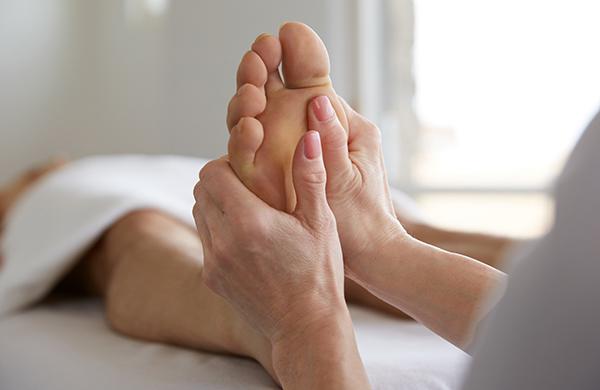 foot-massage_jpeg-600x390